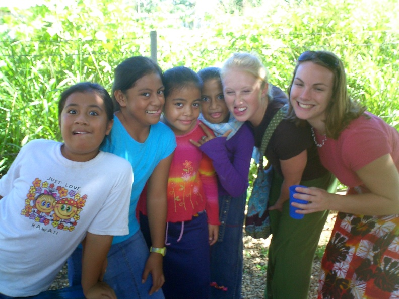 Beth_and_Katie_having_fun_with_Tongan_kids.JPG