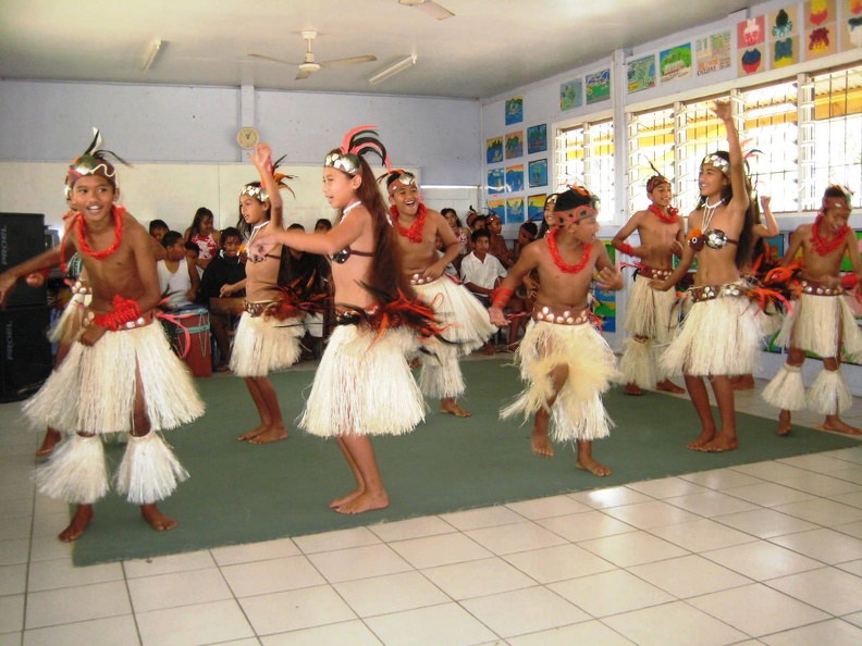 Avarua_School_Cultural_Group_4.jpg